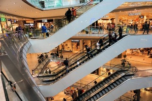 shopping-centre-1003650_640