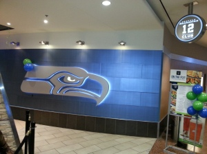 sea tac 12th man lounge